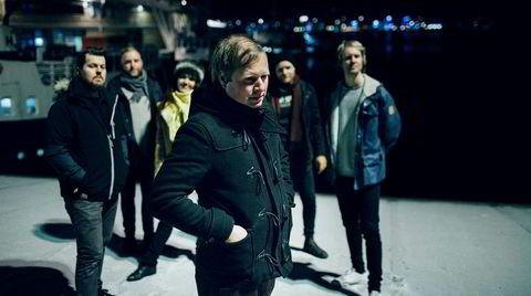 Låtskriver, gitarist og vokalist Ole Johannes Åleskjær har i flere år skapt sublim popmusikk med bandet The Loch Ness Mouse. Det gjør han fortsatt.