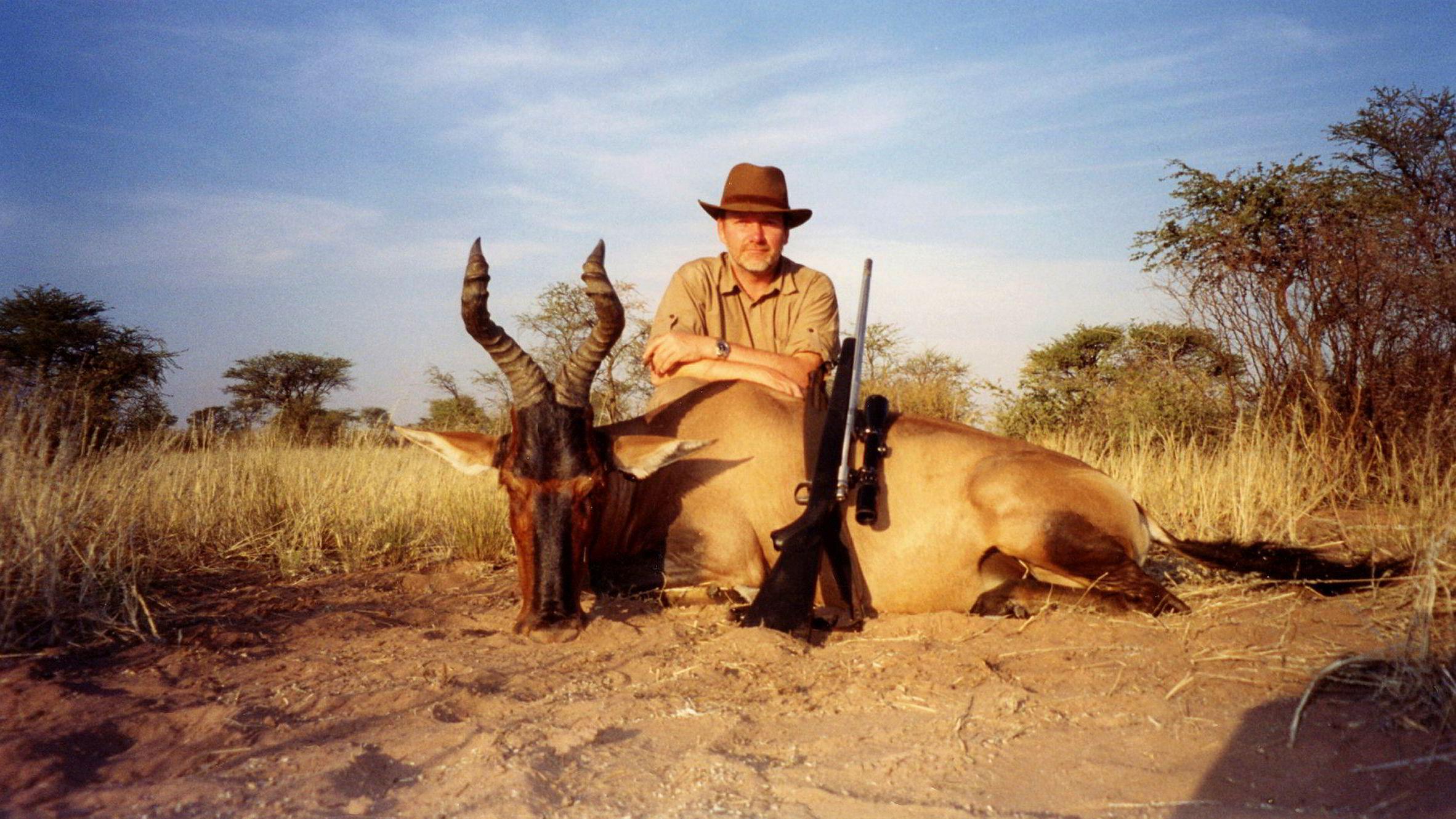 Øivind Tidemandsen på antilopejakt i Namibia. Nå er det bankene som jakter på Tidemandsen.
