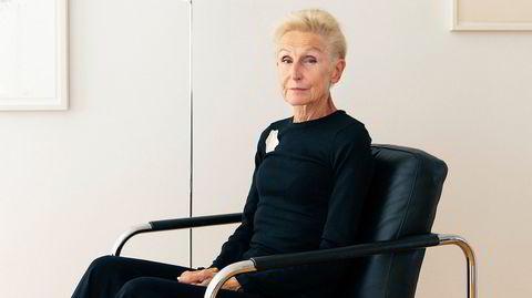 Professor i designteori ved OsloMet Astrid Skjerven sin enkle og rene funkisleilighet i et bygg fra 1940 på Majorstua i Oslo. Hun er opptatt å ha få, men gjerne dyre, gjenstander som tåler bruk, kan repareres og har lang levetid.