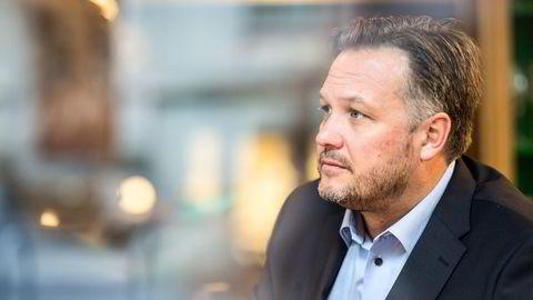 Hotelldirektør Mikael Forselius ved luksushotellet Britannia i Trondheim har mistet over 20 prosent av staben siden pandemiutbruddet. – Det har vært en masseflukt fra vår bransje.