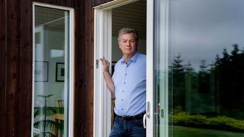Endre Skjørestad på hjemmekontoret i Sandnes. Siden i fjor har han jobbet med en vurdering av dagens karantenesystem.