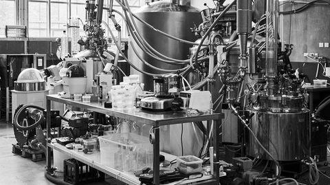 Eksperiment. Empirical Spirits' produksjonslokaler minner om en gal professors laboratorium.