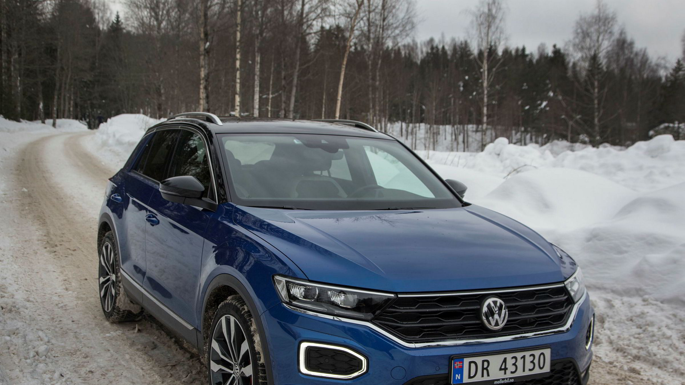 Volkswagens nyeste tilskudd heter T-Roc og er selvfølgelig en liten suv – den klassen som vokser mest.