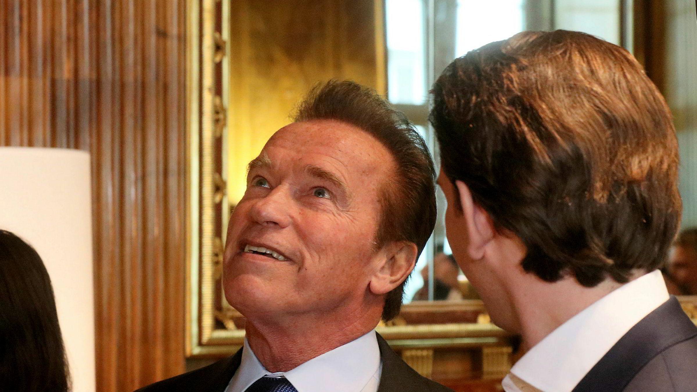 – Det er helt uansvarlig å selge et produkt som du vet dreper, sier Arnold Schwarzenegger.
