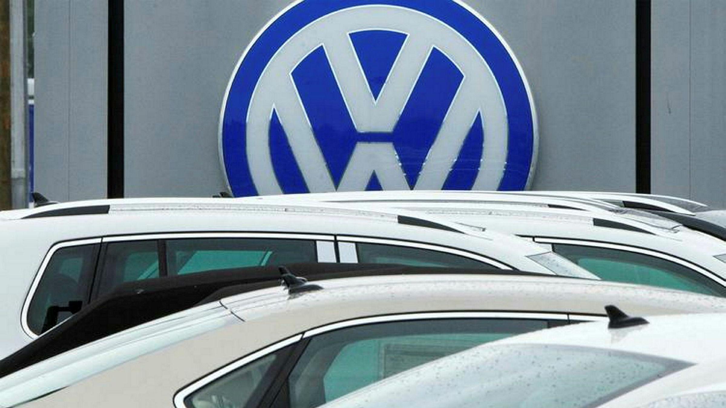 I april fikk Volkswagen ordre om å betale 2,8 milliarder dollar i USA for å ha jukset med utslipp.