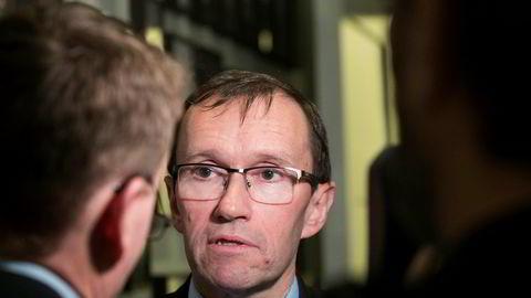 Espen Barth Eide er lederen for høringen om Equinors milliardtap i USA.