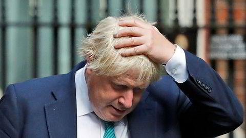 Boris Johnson forlater 10 Downing Street 6. september. Nå får han hard kritikk for en artikkel om brexit.