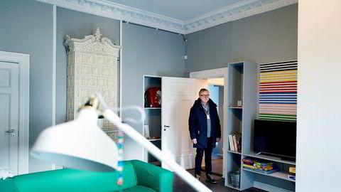 Står tom. Odd Rune Andersen, bydelsdirektør i Frogner, viser frem leiligheten Boligbygg ga over 11 millioner kroner for i Bygdøy allé. Snart skal den selges