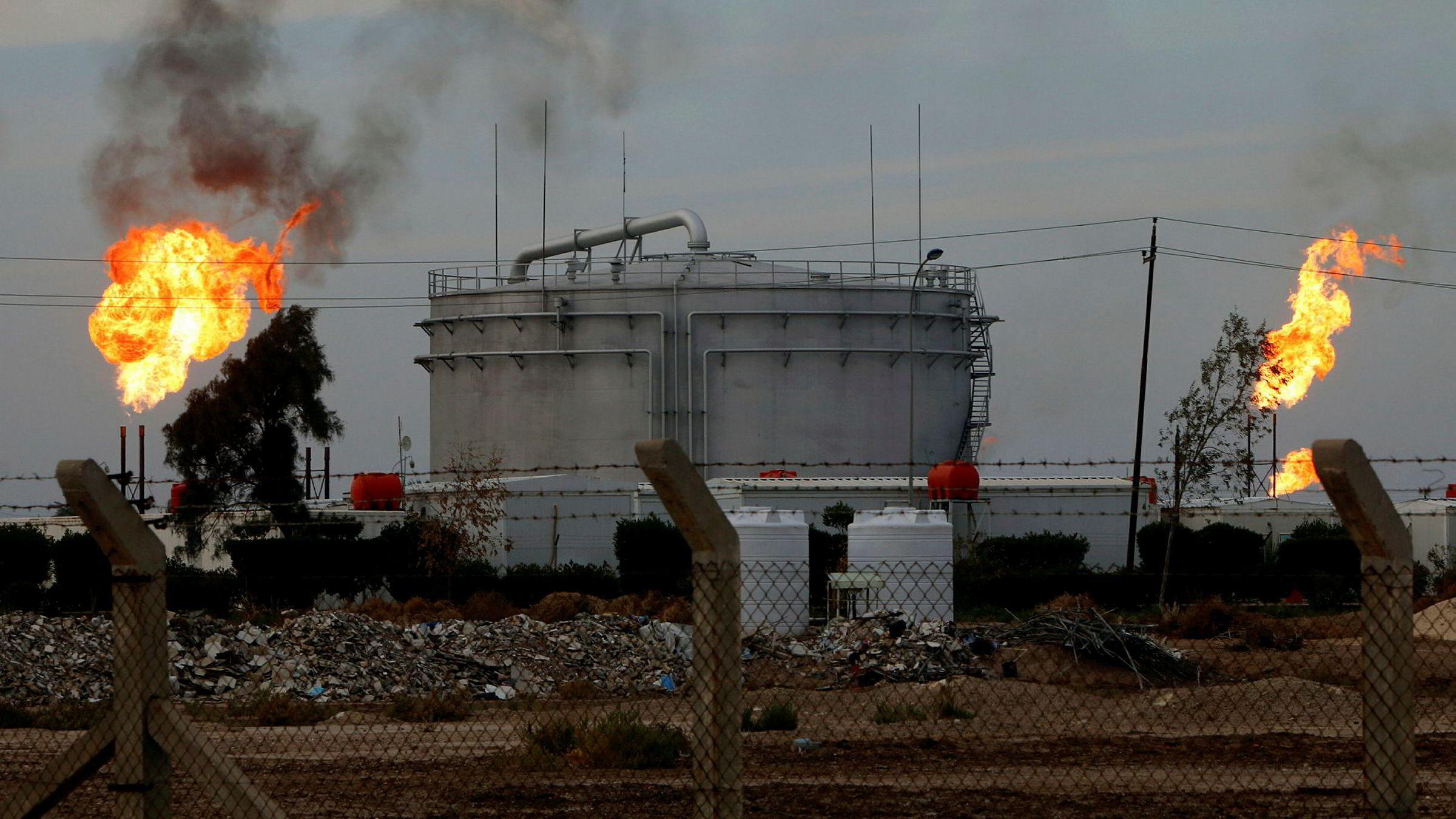 Avbildet er fasiliteter ved oljefeltene i Basra-regionen i Irak.