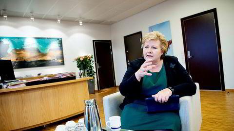 Statsminister Erna Solberg mener automatisering, digitalisering og kunstig intelligens vil snu opp ned på nesten alle yrkesgrupper.