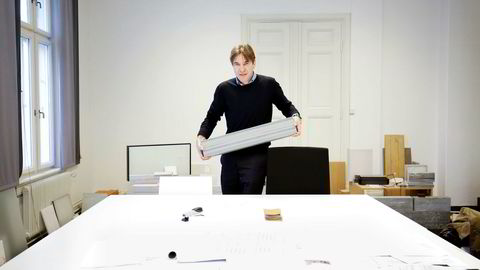 Nasjonalmuseets arkitekt Klaus Schuwerk forteller at målet med det nye Nasjonalmuseet har vært å skape harmoni med omgivelsene rundt. Så langt har debatten rundt bygget ikke vært harmonisk.