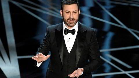 Oscar-vert Jimmy Kimmel snakker på nattens show i Los Angeles.