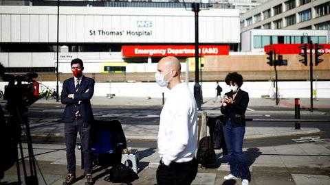 Britenes statsminister Boris Johnson ligger på intensivavdelingen her på St Thomas' Hospital i London med koronasmitte.