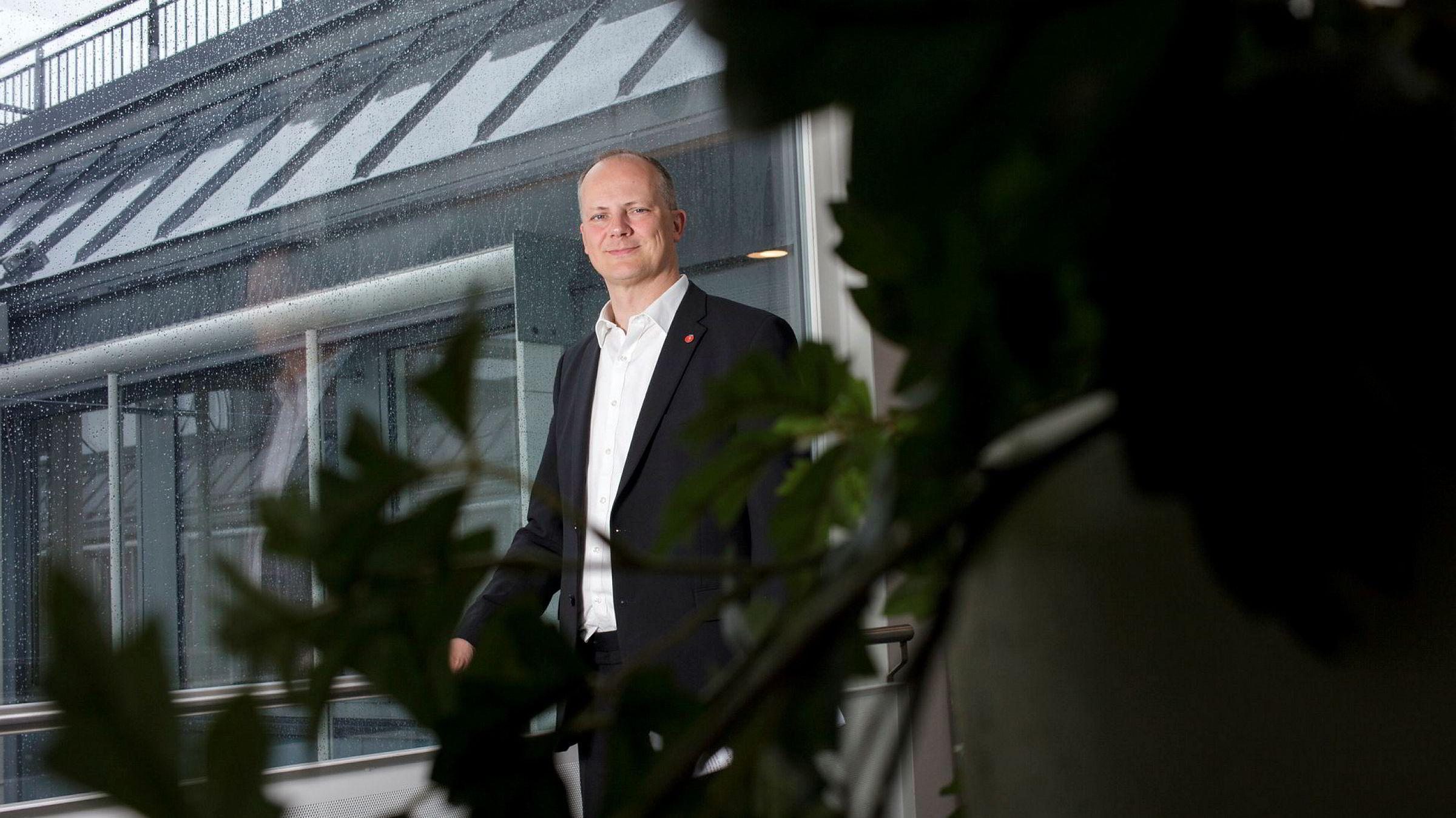 Samferdselsminister Ketil Solvik-Olsen i (Frp).