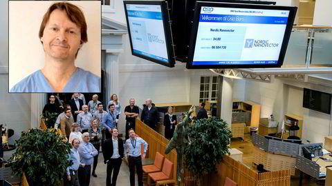 Øyelege Ole Martin Halvorsen (innfelt) har vært investert i bioteknologiselskapet Nordic Nanovector siden før børsnoteringen i 2015. Avbildet er selskapets børsnoteringsseremoni.