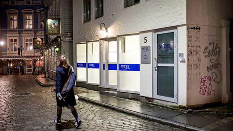 Moore Financial Group med kontor i Bergen sentrum har fått kunder til å investere i konvertibelt lån i selskapet. Det fremgår ikke av presentasjonen til hvilken kurs og antall aksjer lånet kan omgjøres til i fremtiden.
