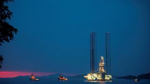 Forrige uke foreslo obligasjonseiere i Seadrill å garantere for en betydelig egenkapitalemisjon i selskapet. Her taues den Seadrill-eide jack-up-riggen «West Linus».
