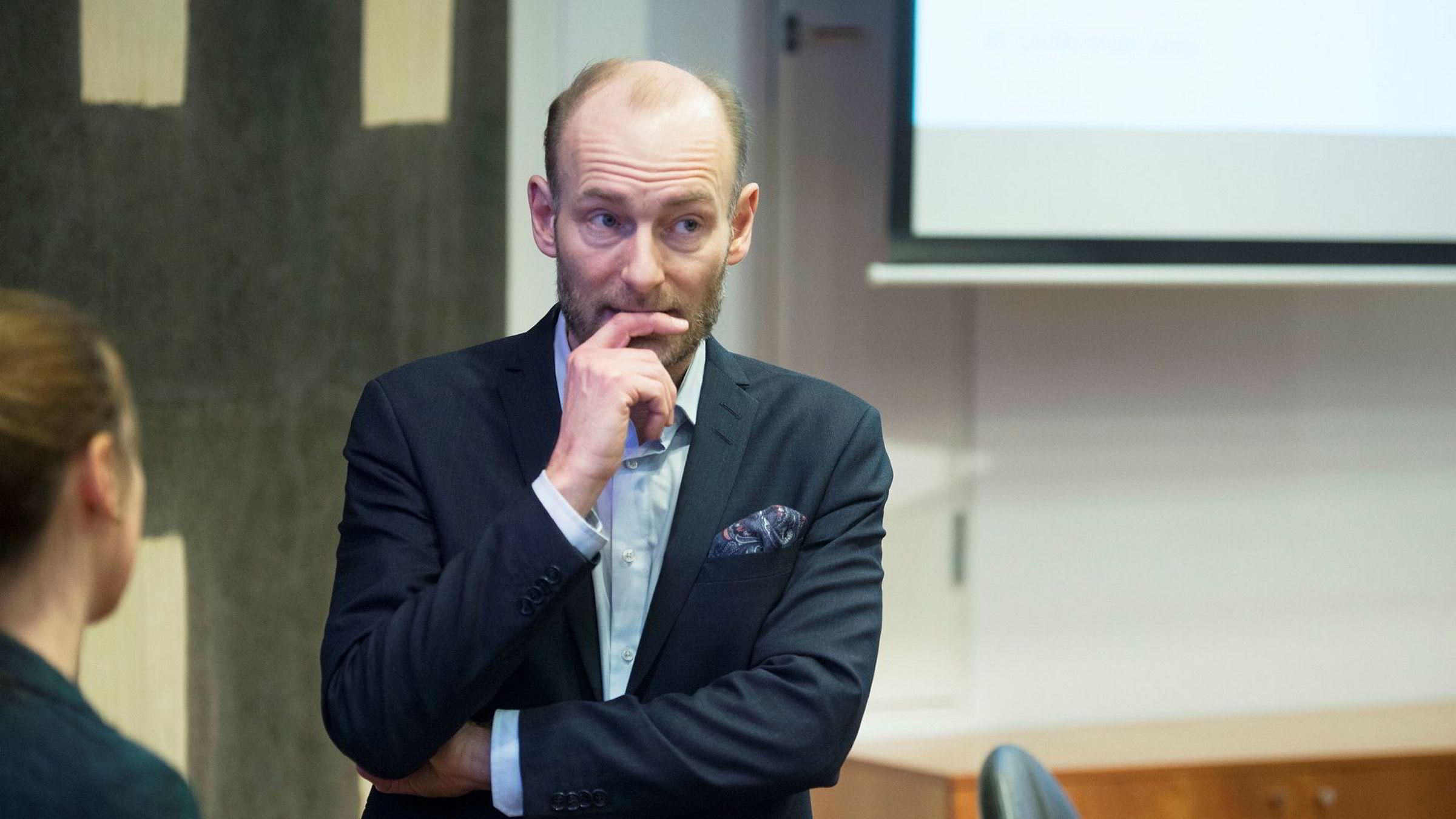 Fritt Ord-leder Knut Olav Åmås mener det er en hersketeknikk å avskrive personlige erfaringer som anekdotisk bevis. Det kan også være uttrykk for sunn kritisk sans, mener artikkelforfatteren.
