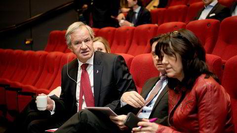 Administrerende direktør Bjørn Kjos (fra venstre), finansdirektør Frode Foss og kommunikasjonssjef Anne Sissel Skånvik i Norwegian la frem tallene for fjerde kvartal torsdag morgen.