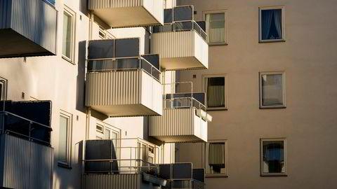 Professor Ragnar Torvik mener det er de mest attraktive boligene som er solgt og at den reelle prisnedgangen derfor er enda større enn det tallene viser.