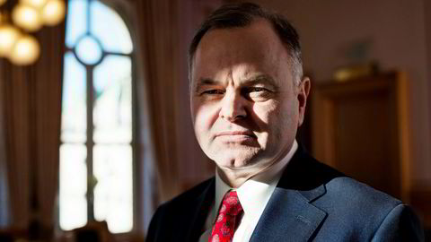 Stortingspresident Olemic Thommessen har havnet i hardt vær etter den store byggesprekken.