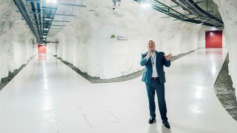 Inne i det gamle Nato-våpenlageret på Rennesøy ved Stavanger ligger datasenteret Green Mountain. Nå vil administrerende direktør Knut Molaug være med og betale for en ny fiberoptisk superkabel til Newcastle.