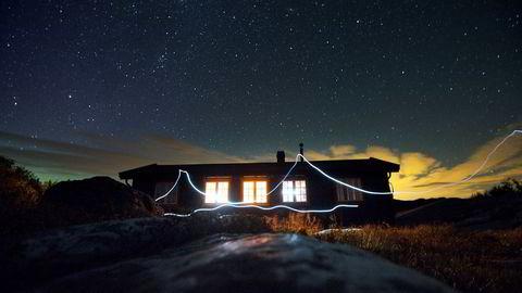 Skal du oppleve Blefjell ligger DNT-hytta Eriksbu praktisk plassert langs stien.– En av de flotteste turene jeg har gått og en bra tur å ta med faren sin på, sier Stine Svanholm som besøkte Eriksbu da hun gikk fra Veggli til Kongsberg.