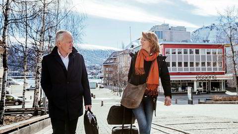 Direktør Ole-Wilhelm Meyer og eiendomsdirektør Anne Stine Eger Mollestad i Opplysningsvesenets fond på besøk i Tromsø. Fondet har tapt over 100 millioner kroner på tre prosjekter de siste årene.