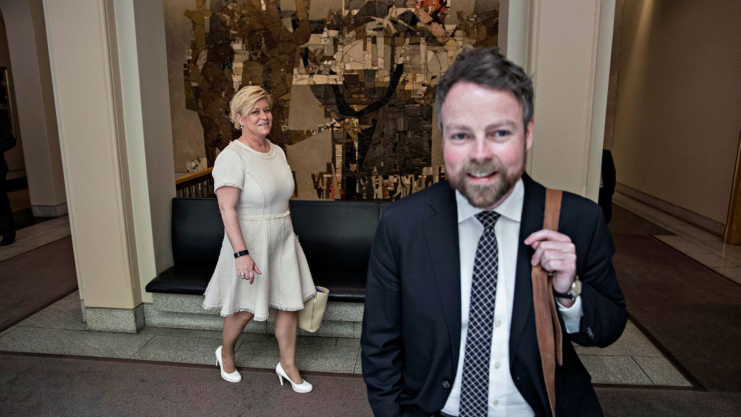 Torbjørn Røe Isaksen før spontanspørretime med finansminister Siv Jensen.
