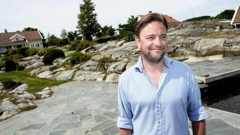 – Her på Høvig kjøpte pappa boligen på begynnelsen av 1990-tallet. Han mente selv at dette var den beste investeringen han hadde gjort, sier Une Joachim Amundsen.