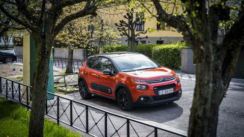 Citroën C3 er en barsk liten bil. Legg merke til «airbump»-ene på siden.