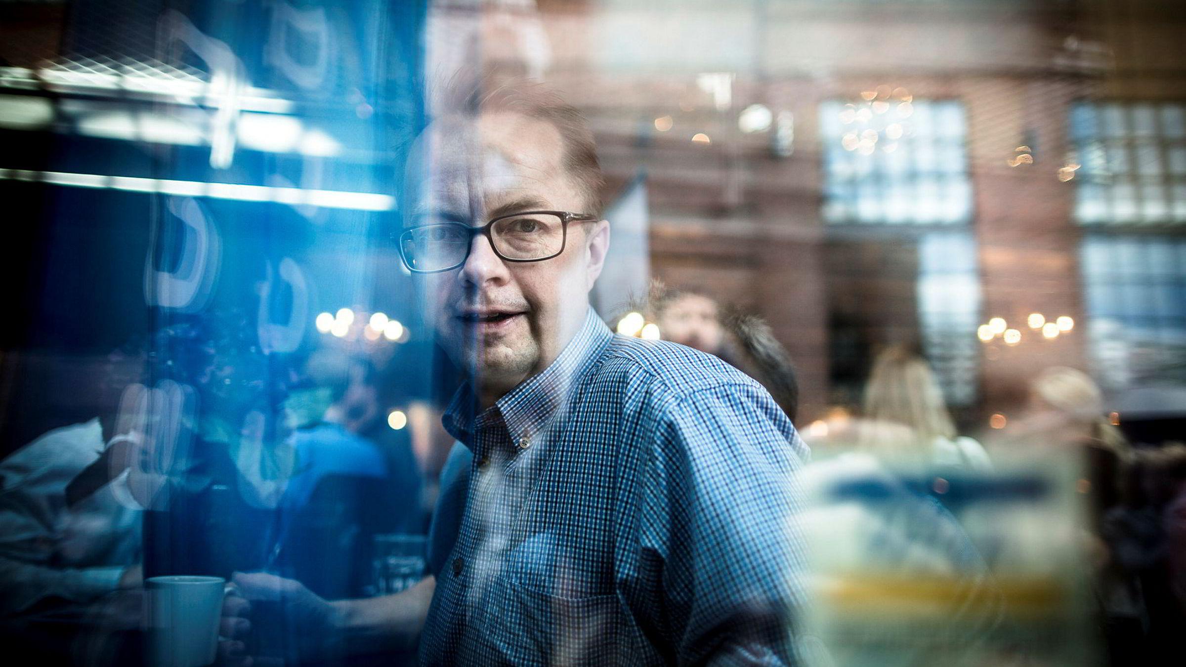Forhandlingsdirektør Harald-Eide Fredriksen i mediebyrågruppen Dentsu Aegis Network synes det er vanskelig å spå om omsetningen for papirannonser vil flate ut.
