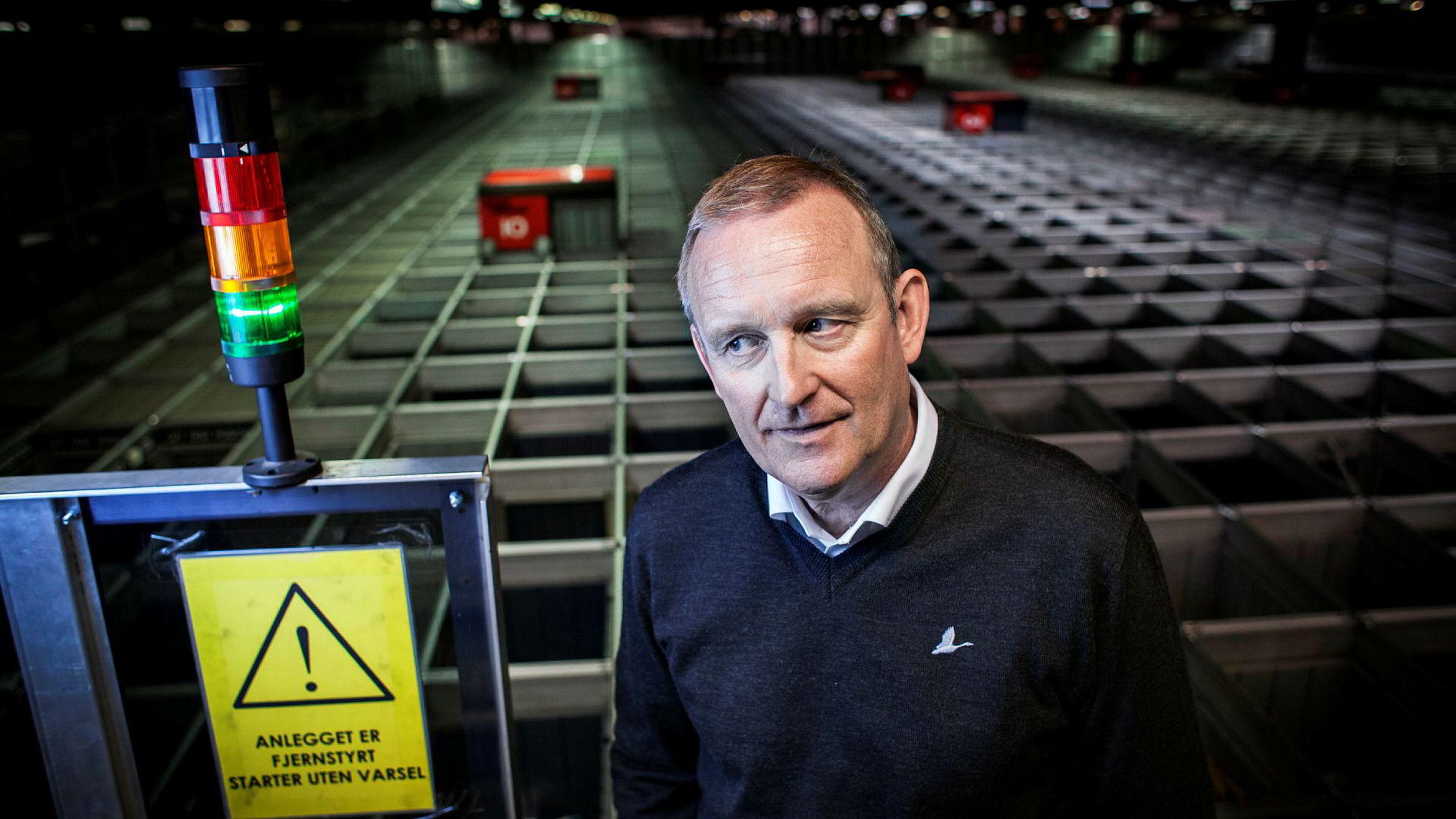 I roboten til konsernsjef Ole Vinje skal det ryddes plass til varer fra andre leverandører som presenteres i den nye markedsplassen. Foto: Klaudia Lech
