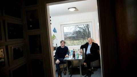 Konsernsjef Reidar Fuglestad i Dyreparken i Kristiansand (til venstre) er ansatt som ny sjef for Sørlandets Kunstmuseum. – Blir Reidar en suksess, blir jeg genierklært, mener styreleder Jan Vincents Johannessen.