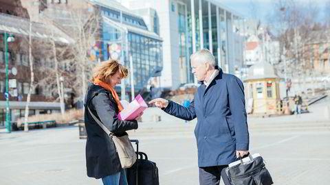 Eiendomsdirektør Anne Stine Eger Mollestad og direktør Ole-Wilhelm Meyer i Opplysningsvesenets fond på besøk i Tromsø. Fondet har brukt 100 millioner kroner på advokater og tredoblet inntektene fra festeavgifter.