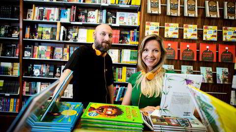 Bokstrømmetjenesten Storytel har ikke årsresultatet klart for 2016, men bransjestatistikk fra fjoråret tyder på at endringen i leservanene er på deres side. Her daglig leder Håkon Havik og markedssjef Fride von Porat.