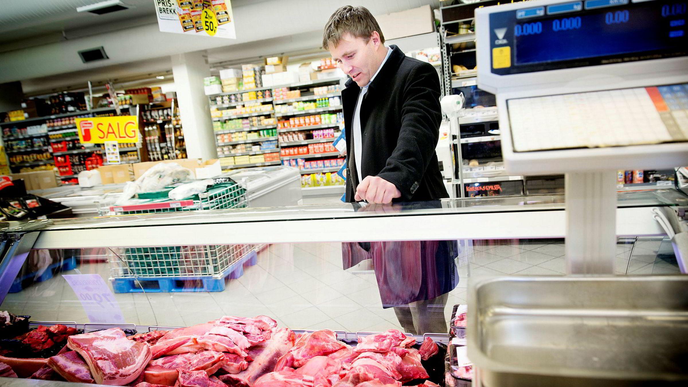 Christian Lykke og Bunnpris økte inntektene i fjor, men tapte penger på bunnlinjen etter å ha byttet grossist fra Rema til Norgesgruppen.