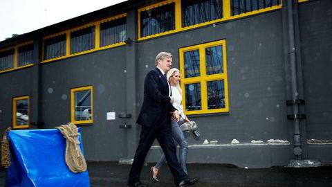 London-investor Tor Olav Trøim og hans forlovede Celina Midelfart har en papirgevinst på over en halv milliard kroner på riggselskapet Borr Drilling etter vel én måned. Her fra en bransjefest i Oslo sommeren 2013.