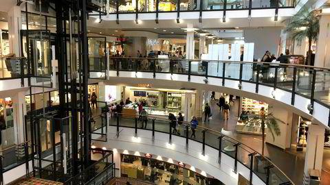 Forbrukertilliten i Norge falt tilbake i juni og er nå på samme nivå som i desember i fjor.