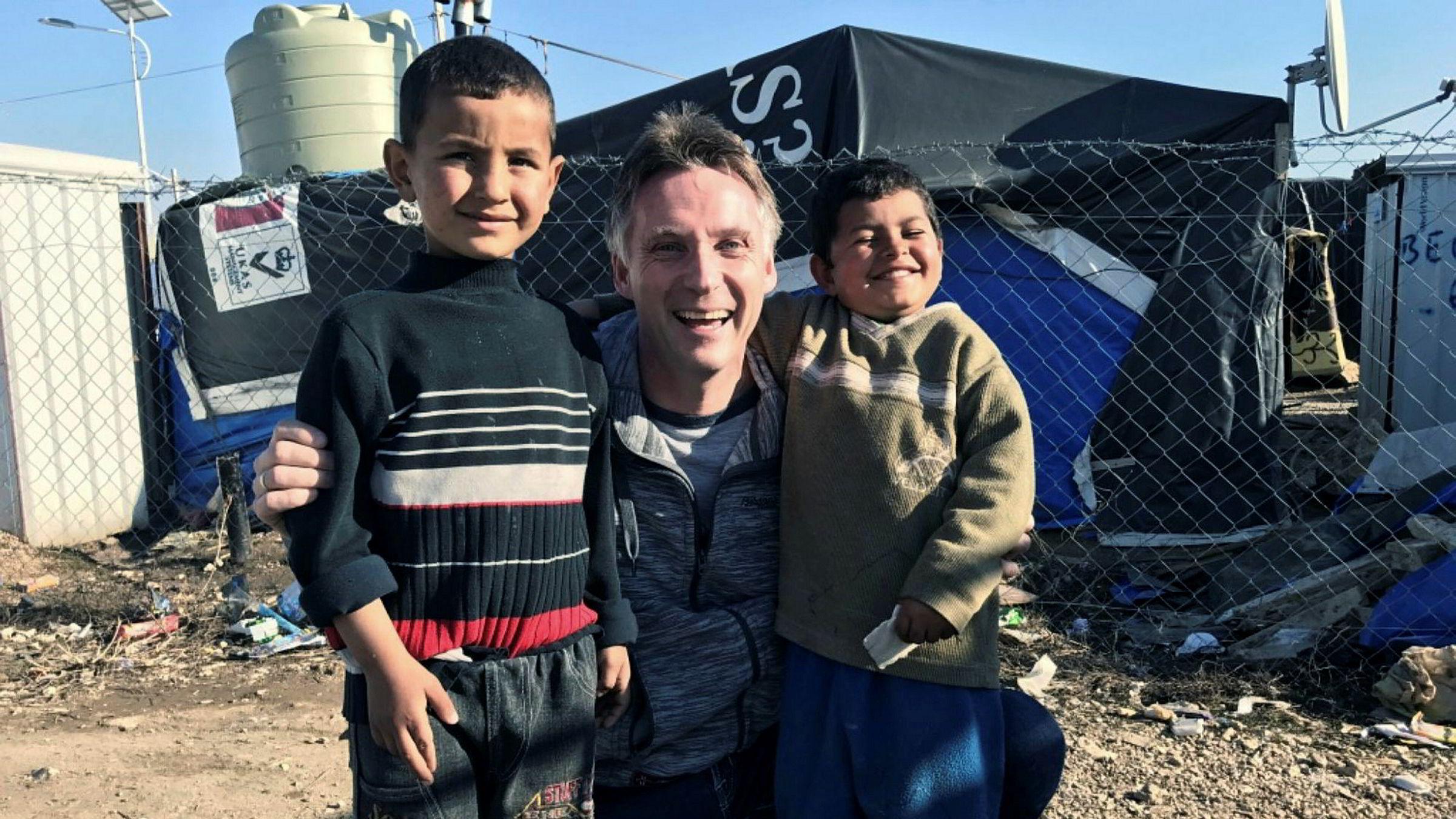 Alfred Ydstebø, eier av konsernet Base Gruppen. Han drev i 2016 omfattende drift av asylmottak gjennom datterselskapet Abri Vekst. Her er han under et besøk i en flyktningeleir i Bekaa-dalen i Libanon som han har besøkt en rekke ganger de siste månedene. Organisasjonen Abri Aid har forpliktet seg til å gi en million kroner til flyktningearbeid i området.