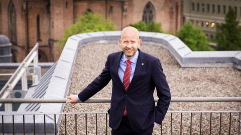 Olje og energiminister Tord Lien utvider leteaktiviteten i Norskehavet og Barentshavet.