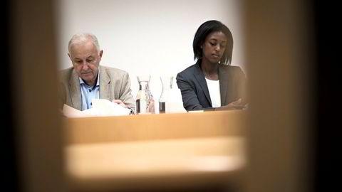 Arvingenes representant Lasse Erdal i retten sammen med advokat Ruth Haile Tesfazion i retten.