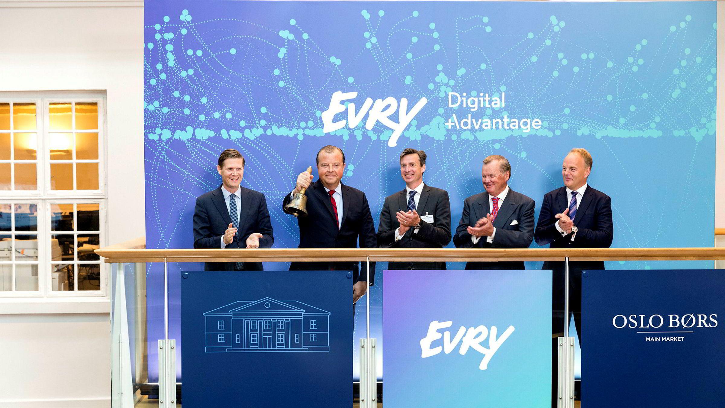 IT-selskapet EVRY noteres på Oslo Børs onsdag morgen, konsernsjef Bjørn Ivroth i ringer i bjellen.