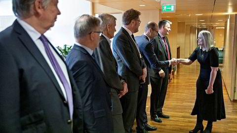 Tina Bru (H) overtok som olje- og energiminister etter Sylvi Listhaug. Staben er mannsdominert.