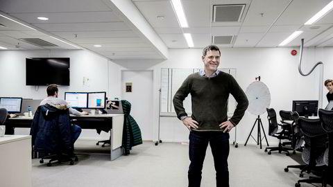 Sjefredaktør i Aftenposten, Espen Egil Hansen, sier at Aftenposten er prinsipielt for politisk reklame.
