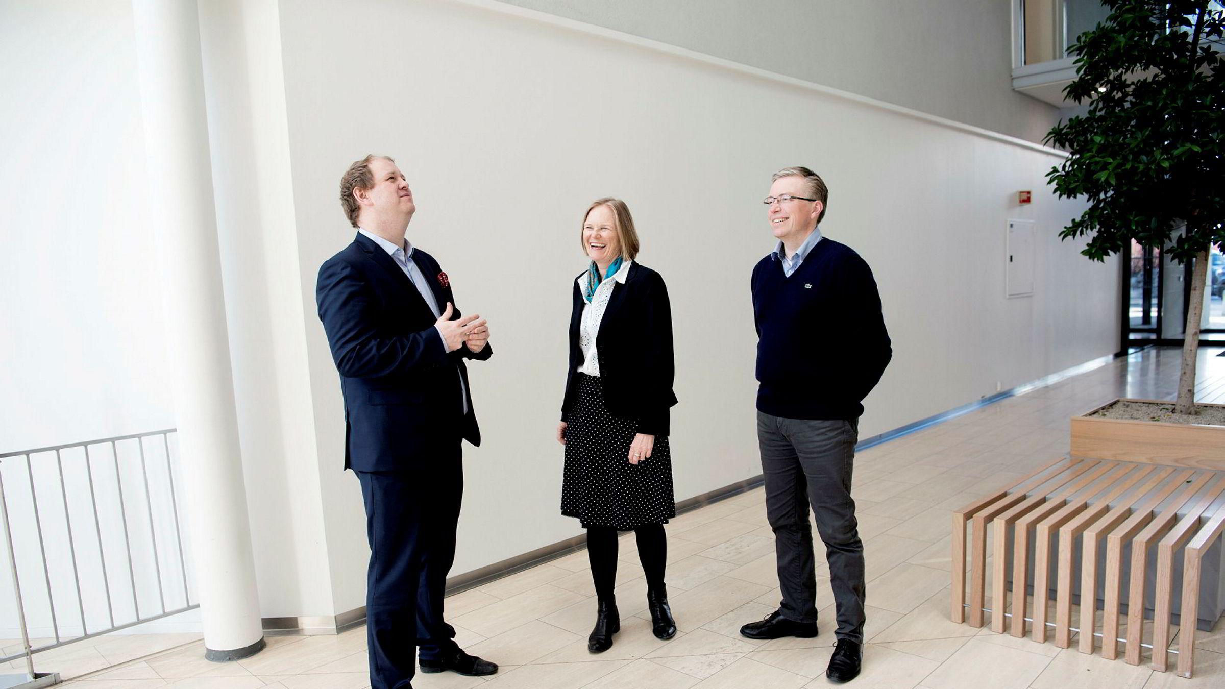 HR-topp Cathrin Bretzeg i Magseis, Reidar Myrvang (til høyre) fra Lederrådgivning og daglig leder og partner Erik Falk Hansen i rekrutterings- og omstillingsbedriften OG-S mener det er en myte at folk over 50 år sliter med å få ny jobb.