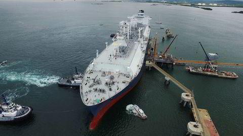Shippingselskapene var de første til å finansiere seg i markedet i år. Odfjell, Höegh lng og Teekay lng har alle i tur og orden hentet obligasjonsfinansiering på til sammen 2,5 milliarder kroner. Her Höegh Grace.