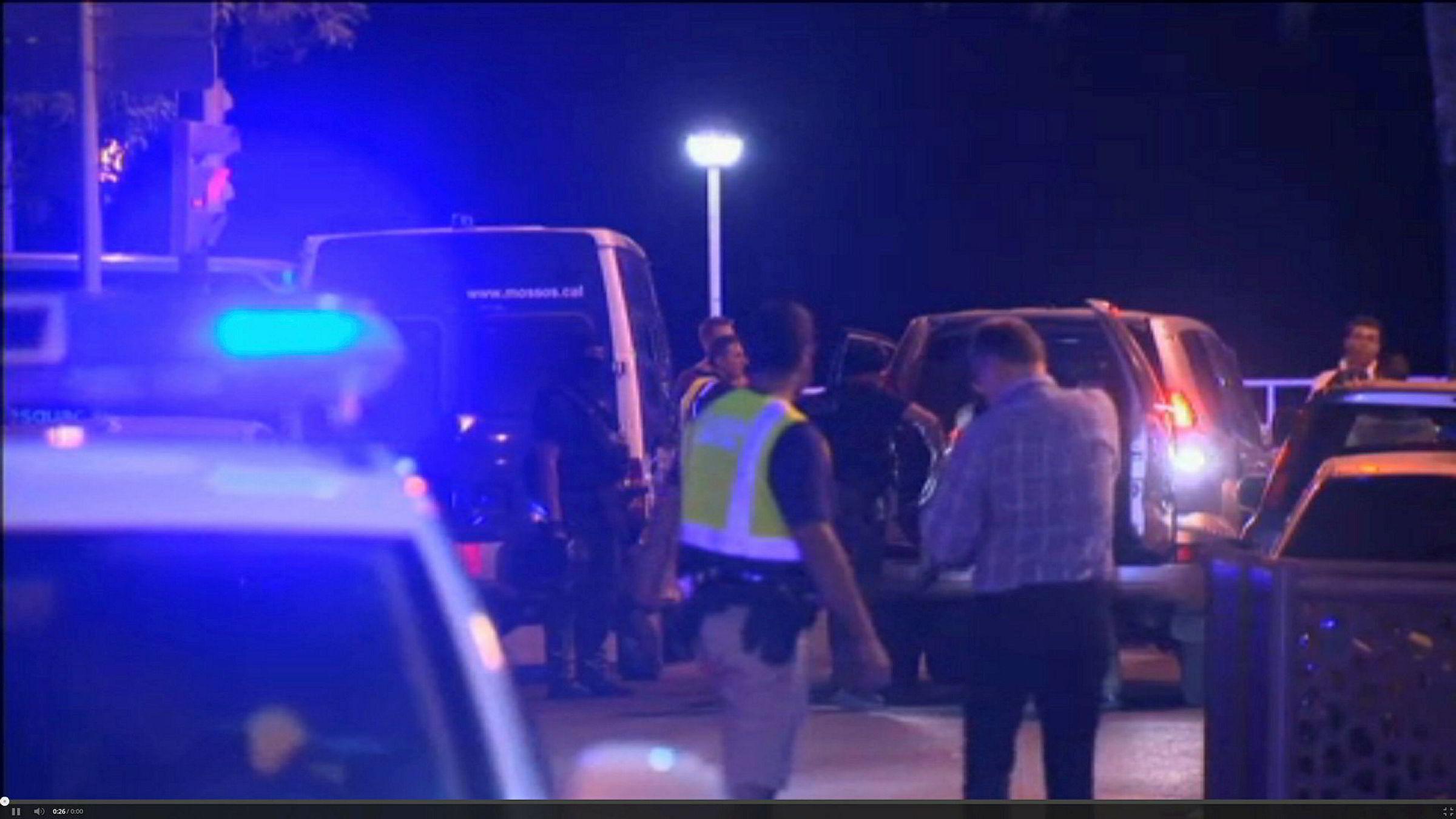 Politiet undersøker området der de skal ha drept fem angripere natt til fredag.