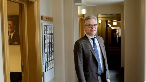 Hans Andreas Limi reagerer på bindingene mellom Terje Rød-Larsen og Geir O. Pedersen.