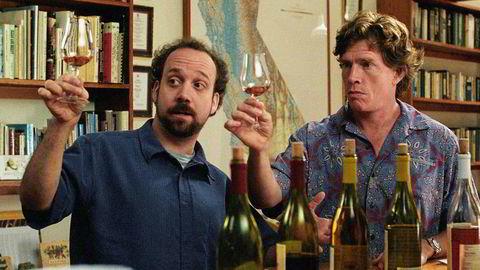 «Sideways» er godt mulig den viktigste vinfilmen som er laget. Vinsnobben Miles spilles av Paul Giamatti (t.v.), mens merlotelskeren Jack portretteres av Thomas Haden-Church.